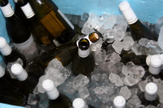 Formas de enfriar vino en verano…