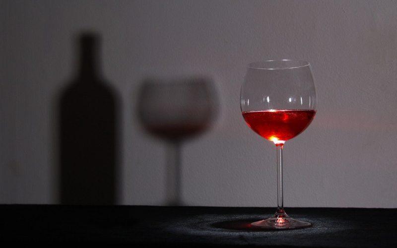 glass-1502835_1280