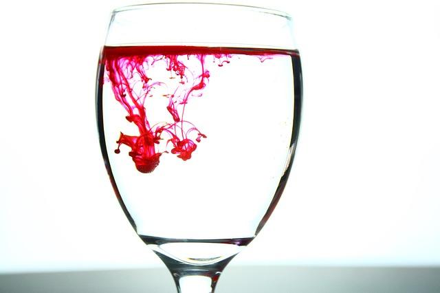 Trucos para quitarse las manchas de vino